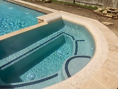 IMG_1015 (Backyard Amenities) Tags: 2016 blueplaster brickblend givens leaguecity mashy106 masbbm2 raisedwall rowssteptrim torreon travertinerollededge