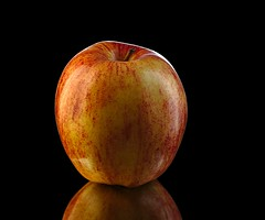 Apple (dr_scholz@ymail.com) Tags: apple maluspumila fruit hybrid fuji fujiapple blackbackground lighting studio round canon5dmkii zeissaposonnart2135 aposonnart2135