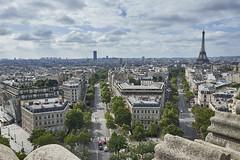 Torre Eiffel y Montparnasse desde el Arco de Triunfo (CarlosJ.R) Tags: arcodetriunfo francia montparnasse pars torreeiffel