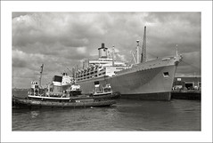 (SS-0057) - SS Orsova (Steve Given) Tags: ship liner passengers cruise oceanliner orsova orient gladstone tug harbour southampton 1960s