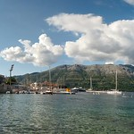 "View of Orebić from Korčula Beach <a style=""margin-left:10px; font-size:0.8em;"" href=""http://www.flickr.com/photos/14315427@N00/14645955810/"" target=""_blank"">@flickr</a>"