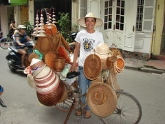 DSC02703 - Copy (sylviamay1963) Tags: basket sony vietnam hanoi seller dsch2