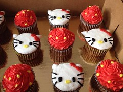 Hello Kitty cupcakes, Triad Area, NC, www.birthdaycakes4free.com