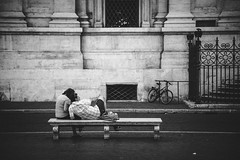 Street life in Rome (frank.rooke) Tags: street people bw italy rome europe streetphotography canoneox5dmarkiii