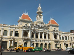 City Hall, Ho Chi Minh City (twiga_swala) Tags: city monument statue architecture square french hall office place head centre colonial vietnam peoples viet chi ho ban minh saigon committee ville nam htel ph thnh h dn thnhphhchminh ch nhn sagon tr hte s y trsybannhndnthnhphhchminh