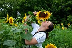 DSC_0310 (verruckteinzelganger) Tags: summer girl village ukraine sunflower dacha