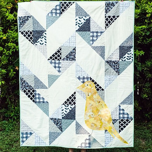 Day 5 of the Scrappy Bits Appliqué blog tour takes us to @sewmamasew ! Check out their post for more pictures and a free pattern for this quilt I designed, Dreaming of Flight! Also another chance to win a copy of my book!