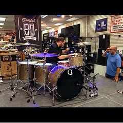 @dennisleeflang about to hammer some drums during his clinic at @samashmusic in New Jersey. Thanks to @royvantassel for the great photo! Hope you guys can make it!! #qdrumco #samash #dennisleeflang #vicfirth #paiste