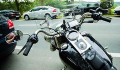 Harley-Davidson (saigneurdeguerre) Tags: brussels 3 bike canon europa europe belgium belgique mark iii belgië bruxelles harley ponte harleydavidson moto 5d davidson brüssel brussel belgica bruxelas belgien aponte antonioponte ponteantonio saigneurdeguerre