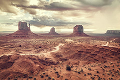 Monument Valley 1 (D.estro) Tags: wild arizona panorama usa nature landscape utah nationalpark rocks natura navajo monumentvalley rocce navaho