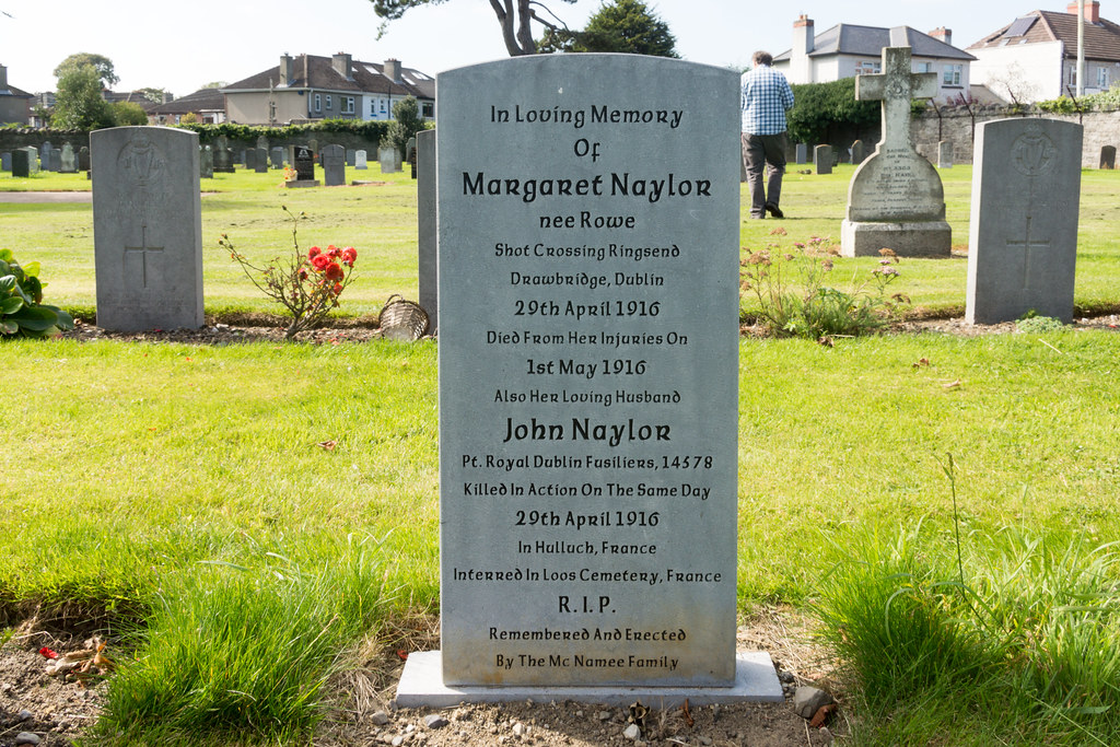 WIFE AND HUSBAND IN DIFFERENT COUNTRIES VICTIMS OF WAR ON SAME DAY GRANGEGORMAN MILITARY CEMETERY Ref-2119