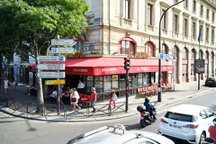 Paris Place du Chatelet 12.9.2016 3721 (orangevolvobusdriver4u) Tags: 2016 archiv2016 france frankreich paris streetlife restaurant cafe brasserie road traffic trafic verkehr strasse street placeduchatelet