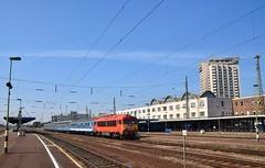 MAV 418 131 Debrecen (eddespan (Edwin)) Tags: mav hongarije hungary ungarn trein spoorwegen train zug debrecen stationsgebouw station gare bahnhof spoorweg rails dieseltrein