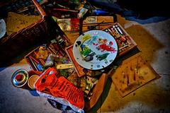 des Malers Werkzeug (Smo42) Tags: farbe bunt maler pinsel teller tte korb tube sonya58 sal1650