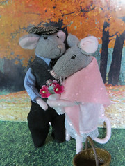 5. Reunited (Foxy Belle) Tags: mouse doll miniature clothing 112 scale handmade story mice felt poseable ooak craft wire love romance couple