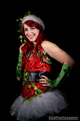 Christmas Poison Ivy (dgwphotography) Tags: cosplay nycc nycc2016 newyorkcomiccon nikond600 nikoncls poisonivy marvel marvelcomics 50mm18g