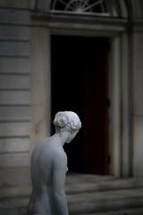 DSCF9977-01 (Marat Elkanidze) Tags: metropolitanmuseum sculptures williamhenryrinehart clytie doors