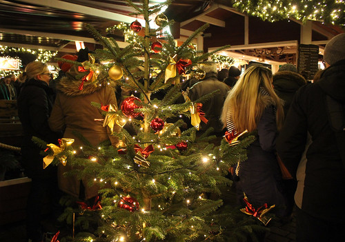 "Kieler Weihnachtsdorf (28) • <a style=""font-size:0.8em;"" href=""http://www.flickr.com/photos/69570948@N04/30917921164/"" target=""_blank"">View on Flickr</a>"