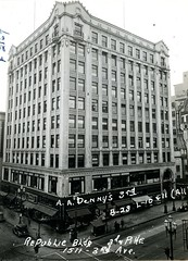 Republic Building, Seattle, 1937 (Rob Ketcherside) Tags: clock seattle greatdepression republicbuilding pike 3rd third zinkes moss 1937