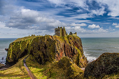Dunottar Castle (Brian Travelling) Tags: dunnottarcastle castle headland northsea water sky clouds green rocks rock rocky scotland scenery scenic aberdeenshire eastcoast northeastcoast pentaxkr pentax pentaxdal peaceful