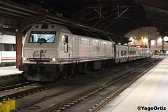 El pequehotel (yagoortiz) Tags: tren 333406 renfe trenhotel 5c3 coruña san criatobal galicia