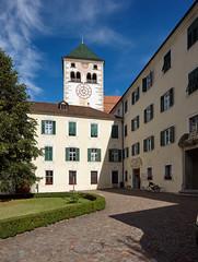 Neustift 09 (WR1965) Tags: italien sdtirol altoadige autonomeprovinzbozen neustift stiftneustift klosterneustift chorherren augustiner stiftshof barock uhrturm