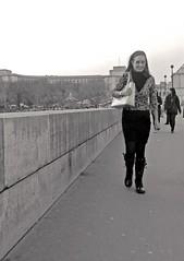 Paseo parisino (carlos_ar2000) Tags: street woman paris sexy girl beauty calle mujer pretty chica walk gorgeous perspective paseo linda perspectiva bella trocadero francia