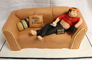 Couch Man Cave Cake med