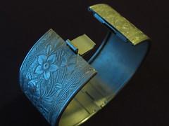 Vintage Metal Braceket: Engraved Flowers (Kimberlyki) Tags: vintagejewelry floralbracelet clamperbracelet engravedbracelet