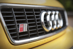 Audi S4 B5 Wagon (Freddy Pacques) Tags: yellow jaune canon wagon break l 5d b5 usm audi f28 s4 2470mm