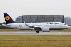 D-AVVH // Lufthansa // A320-214(WL) // MSN 6202 (Martin Fester) Tags: airplane aircraft hamburg planes airbus msn lh runway lufthansa a320 taxiway finkenwerder 0523 spotten 6202 xfw sharklets davvh a320214wl daiug msn6202