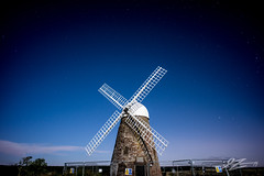 Just One Beat (Tim van Zundert) Tags: sky moon west windmill night stars sussex sony voigtlander sails fences super derelict goodwood chichester 21mm ultron halnaker a7r