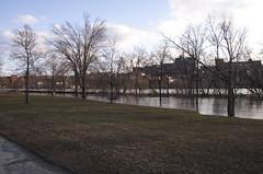 Saint-Franois river (le calmar) Tags: sunset canada water canon river reflex flooding eau downtown dusk rivire dos qubec sherbrooke soir centreville innovations saintfrancois 50d canon50d
