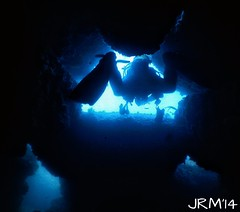 En el tunel ... (jaime.rodriguezmorante) Tags: sea mar underwater dive diving cave tunel santander cantabria buceo cantbrico mourosub