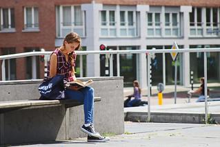 Lezend Meisje / Maastricht