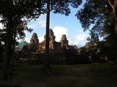 Angkor Thom - 094 (txikita69) Tags: cambodia khmer angkorwat siemreap angkor taprohm bayon angkorthom banteaykdei camboya thommanon bakseichamkrong phnomkrom khmerempire tonlesap terrazadeloselefantes banteaysamre regencyangkorhotel