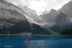 colors moraine lake (www.provincecanadienne.com) Tags: canada rockies lac roadtrip alberta rocheuses lakemoraine lacmoraine canadianlake lacglaciaire rocheusescanadiennes lacscanadiens lacalberta