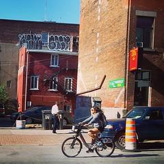 Reportage en images à #Montréal :: #paristonkarmagazine #quebec #stickers #streetart #graffiti #writer #artistes #stencil #painting #art #urban #mur #wall #canada #tag #throwup #drawings #vandale #vandalism (Pegasus & Co) Tags: street city urban canada square montréal québec squareformat unknown rue ville reportage urbain amérique francophonie iphoneography instagramapp uploaded:by=instagram