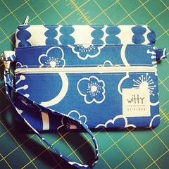 Photo (Witty Girl) Tags: blue white sewing september purse pouch zipper inside bella projects 2014 wristlet lottajansdotter instagram ifttt wittystitches