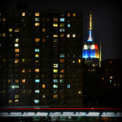 Empire State Building (FredM.) Tags: nyc ny newyork colors night nikon empirestatebuilding nuit couleur d90