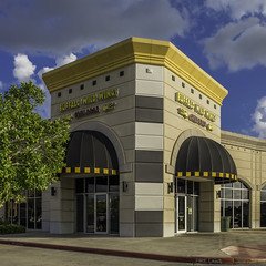 Buffalo Wild Wings (Mabry Campbell) Tags: usa retail logo photography restaurant us photo texas photographer exterior realestate unitedstates image unitedstatesofamerica houston property september photograph commercial storefront 100 24mm shoppingcenter f56 brand client businesses fineartphotography 2014 tiltshift architecturalphotography tenants cushing buffalowildwings commercialphotography commercialrealestate commercialproperty commercialexterior harriscounty powercenter architecturephotography jll tse24mmf35l houstonphotographer ¹⁄₆₄₀sec willowbrookarea retailexterior businessstorefront mabrycampbell retailshoppingcenter willowbrookplaza september102014 20140910h6a8292
