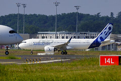 Taxi/RTO tests for Airbus's first A320neo (Curufinwe - David B.) Tags: france plane airplane airport factory aircraft aviation hangar line final prototype airbus neo toulouse a320 assembly a77 fal testbed 70300 airbusa320 hautegaronne midipyrnes a320200 70300g avgeek airbusa320200 sony70300gssm finalassemblyline a320neo a77v sonyalpha77 airbusa320neo sonydslta77v fwneo msn6101