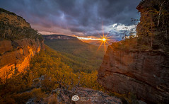 Centennial Sunburst Sunset.jpg (Gary Hayes) Tags: australia sunsrisesunset blackheath centennialglen landscape cloudscapes newsouthwales bluemountains