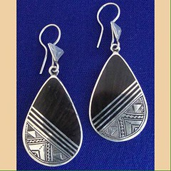 IMG_0348 (Tuareg Jewelry) Tags: tuareg jewelry finesilver ebony earrings bouclesdoreilles tuaregjewelry tuaregjewellery