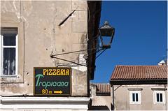 0313-TROPICANA COMO EN LA HABANA PERO EN RIJEKA (Croacia) (-MARCO POLO--) Tags: edificios arquitectura ciudades rincones letreros farolas