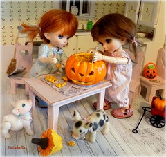Almost done.... (TutuBella) Tags: jackolantern pumpkin carving shannonslilcritters piggy daisydayes krataiscrafts fairyland pukifee dolls sprout emmi niles daphne owl halloween tinybjd twolittlepigs thedollycottage