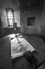 Lacock Abbey - Magna Carta (Scott Bunker) Tags: lacockabbey magnacarta d5000 nikon nikond5000 blackandwhite sigma simga1020