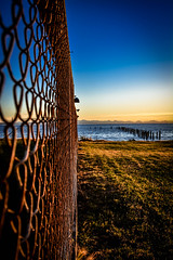 Rusty perspective (Images by Christie  Happy Clicks for) Tags: fencefriday rust rusty seascape beach pointroberts usa seaview chainlinkedfence boundaries boundary nikon d5200 pov perspective sunset