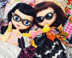 Frances and Anouk are literally overwhelmed by the deals  (endangeredsissy) Tags: blythe blythedoll 365blythe kennerblythe goldie allgoldinone endangeredsissy handmade etsy cybermonday