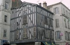 La Rochelle - Rue du Palais (Fontaines de Rome) Tags: la rochelle rue palais maison colombages